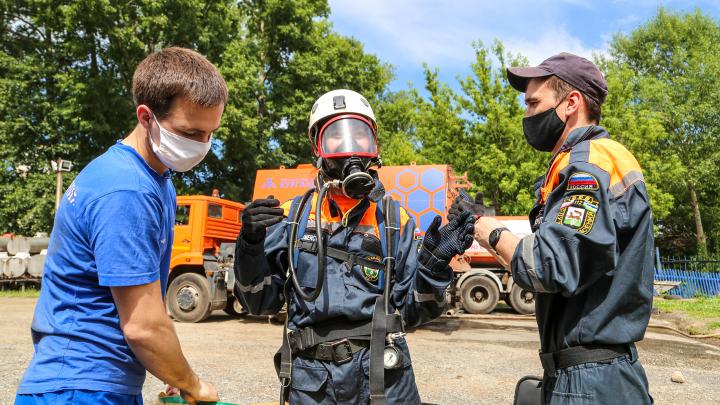 Миссия — вызволить пассажиров и устранить течь: журналист UFA1.RU на один день стала спасателем