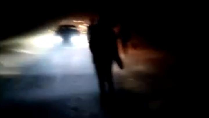 «Людей просто бросили в ночь на произвол судьбы»: жители Башкирии остались заложниками на дороге в метель