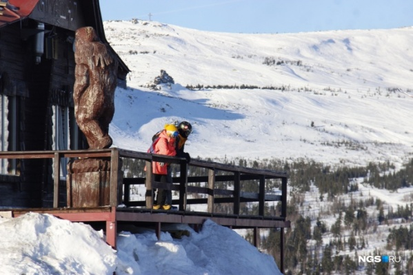 Сезон стартовал 14 ноября, как и планировалось, хотя снега в Шерегеше пока мало