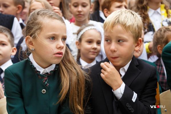 В школы ходят более 256 тысяч мальчишек и девчонок