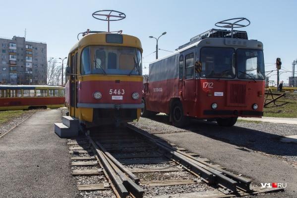 Третий маршрут связывал конечные станции в Ворошиловском и Советском районах