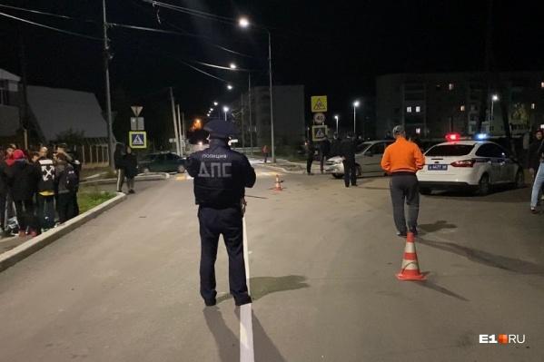 Пьяный водитель насмерть сбил девочку и скрылся с места аварии, но полиция нашла его в течение получаса