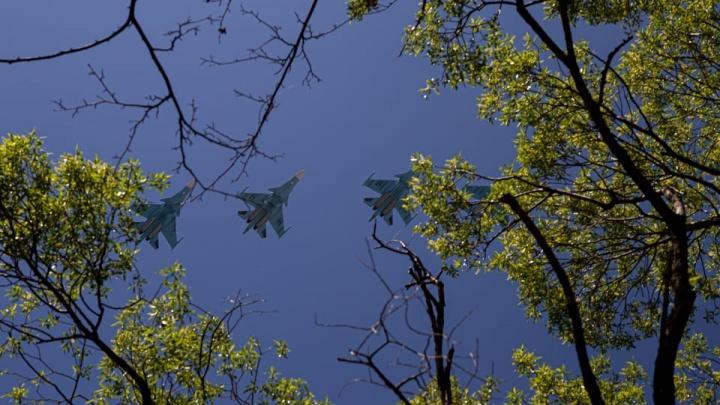 Минутное авиашоу и песни под балконом: как отметят в Челябинске «карантинный» День Победы