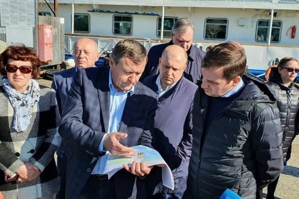 Соловки сегодня посетиливрио губернатора Александр Цыбульский и председатель совета Фонда по сохранению и развитию Соловецкого архипелага Михаил Фрадков