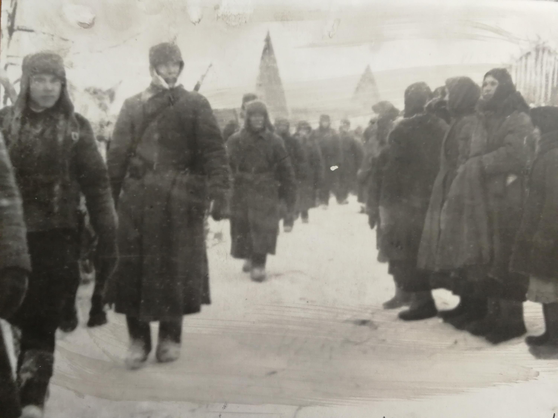 Единственное фото отправки солдат из Калачинска на фронт