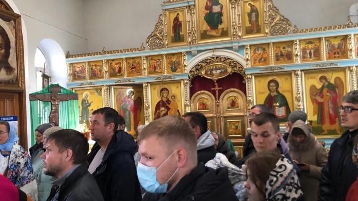 «К Богу в маске не ходят!»: как храм на Эльмаше стал новым оплотом ковид-диссидентства