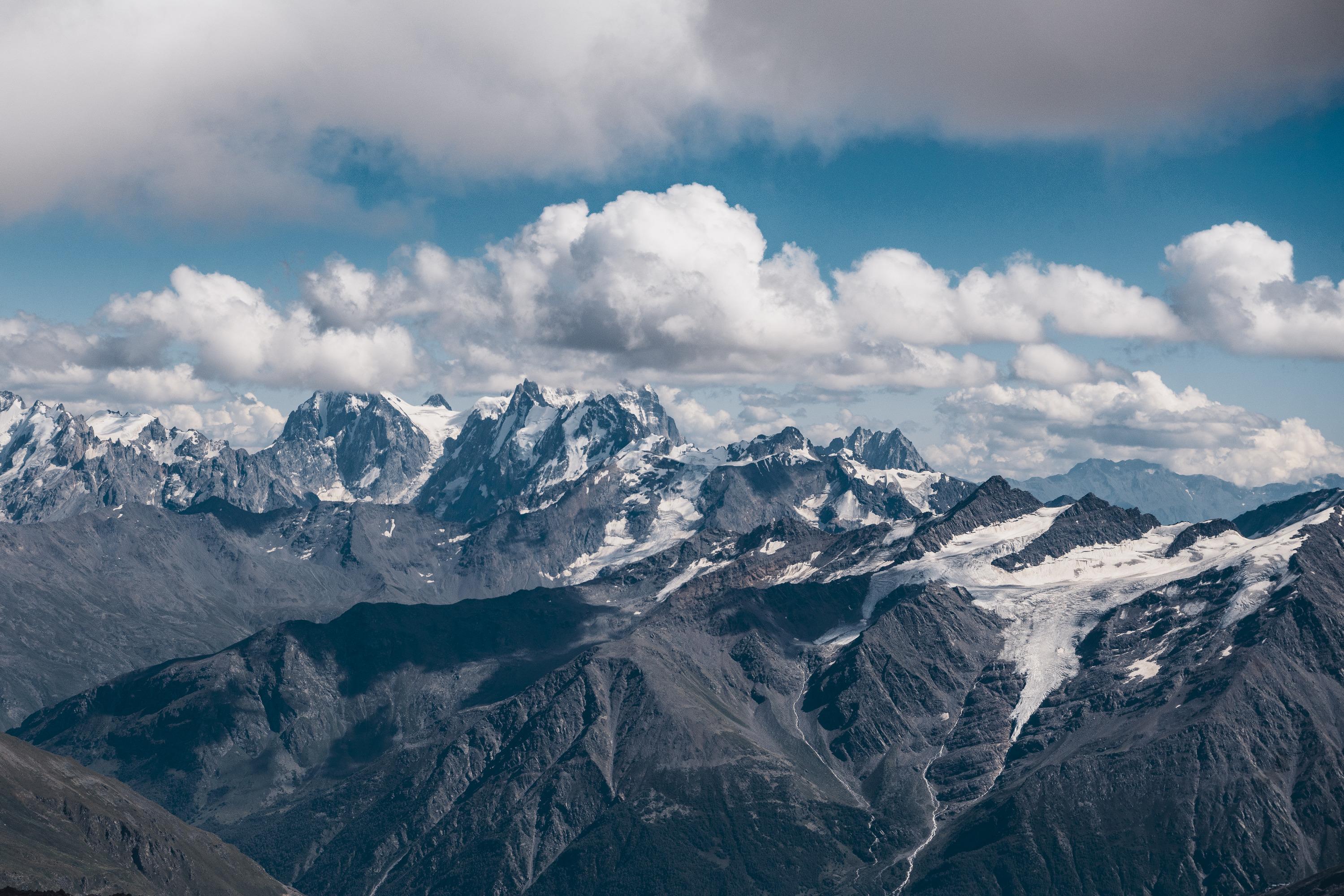 Как говорит новосибирец, для этой поездки он не брал какой-то специальной фототехники, но снимки получились захватывающими дух