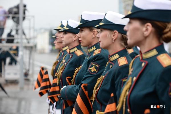 Знаменный взвод роты почетного караула — во-первых, это красиво!
