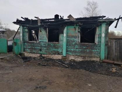 Смерть по неосторожности: следователи выяснят, почему случился пожар, где погиб мэр Данилова с женой