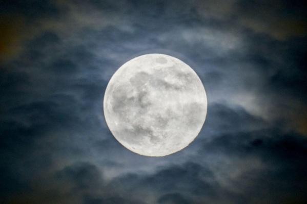 Это самая большая Луна, которую мы сможем увидеть в этом году