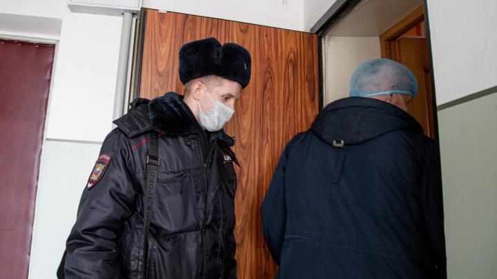 Участковые по всей Новосибирской области перестали принимать жителей. Рассказываем, что делать