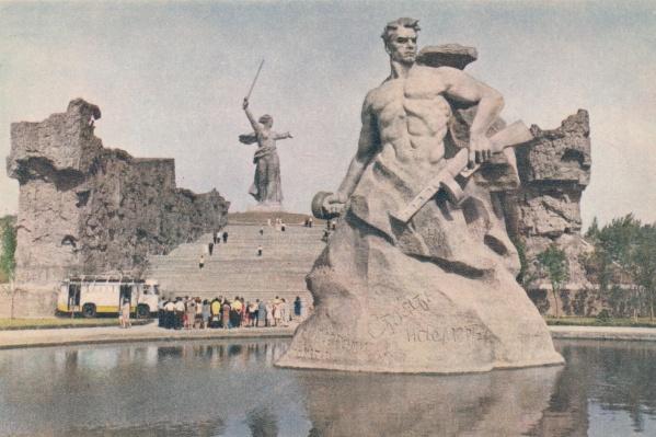 Мамаев курган в Волгограде — один из всемирно известных символов незыблемой мощи СССР