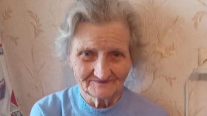 Села в автобус и уехала: в Екатеринбурге разыскивают пропавшую бабушку