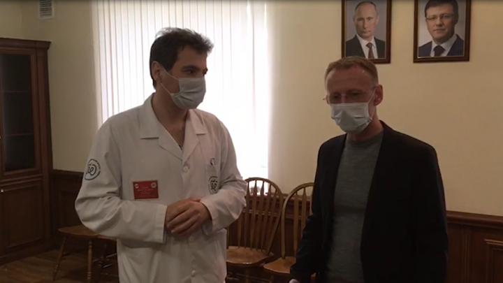 Главврач больницы имени Середавина поблагодарил ГК «ВИД» за защитные костюмы для медперсонала