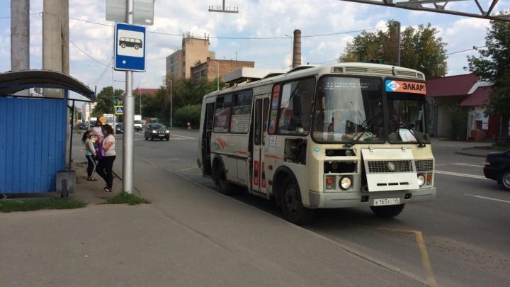 В Зауралье кондукторов и водителей автобусов наказывают за работу без масок и перчаток
