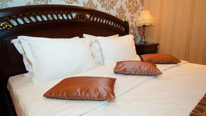 Тех, кто контактировал с больными COVID-19, решили селить в четырех екатеринбургских гостиницах