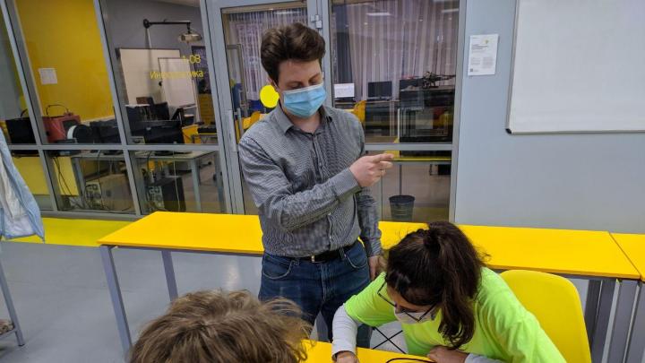 Красноярские школьники изобрели электронное устройство для контроля доступа в гимназию
