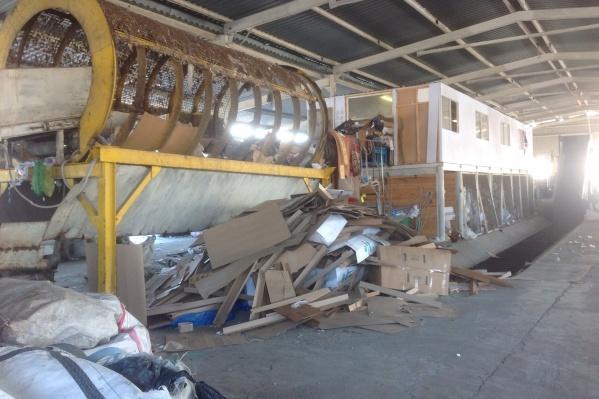 Полигон находится в посёлке Старокамышинск, теперь там хотят сделать перерабатывающий комплекс