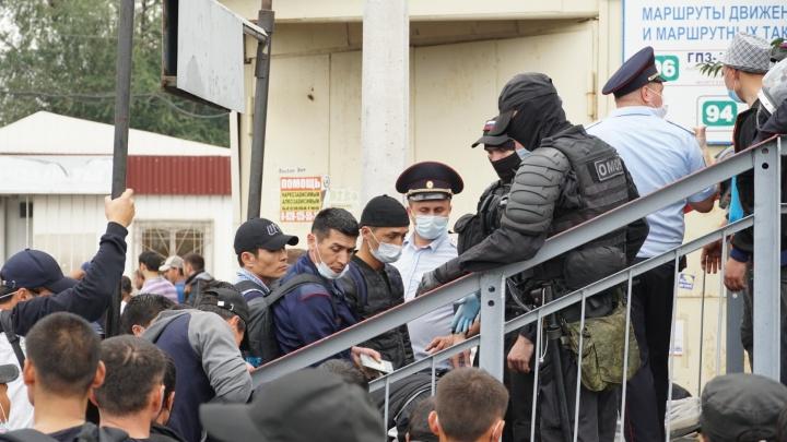Узбеков из палаточного лагеря в Ростове вывезут в Каменск-Шахтинский