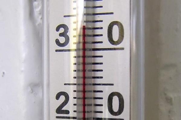 В квартирах жителей Полевского жарче, чем зимой