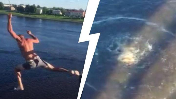 В соцсетях появилось видео из Ярославской области, где мужчина прыгнул с моста в Волгу
