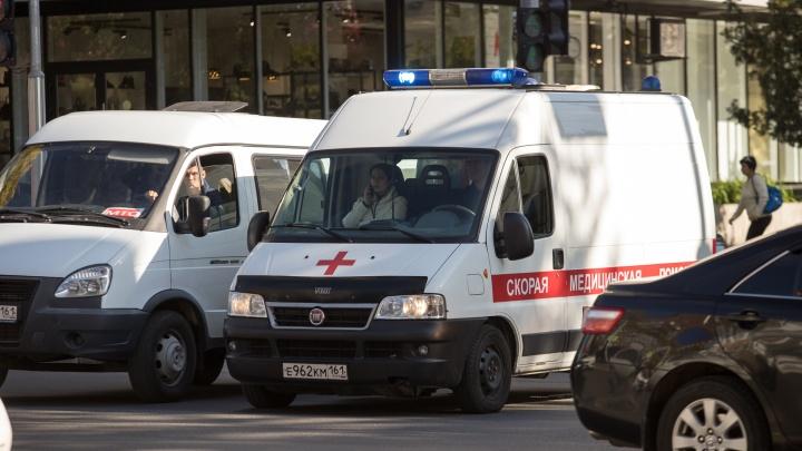 Минздрав закупит 61 машину скорой помощи для больниц Ростовской области
