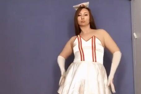 Сания утверждает, что этот костюм из шоурума