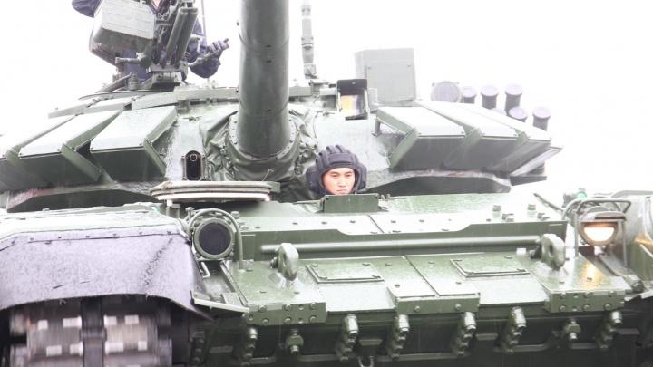 Парад Победы в Самаре: публикуем видеоверсию трансляции с площади Куйбышева