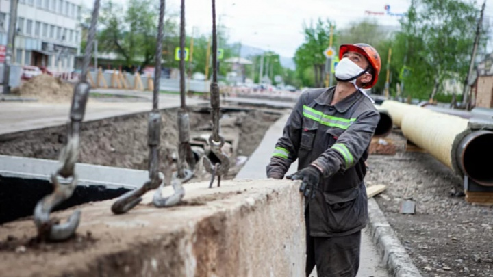В Красноярске вне плана отремонтировали участок теплосетей в микрорайоне Пашенный