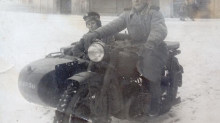 Фронтовой инстаграм: Александр Михеев объехал весь СССР, восстанавливая телефонию после бомбёжки