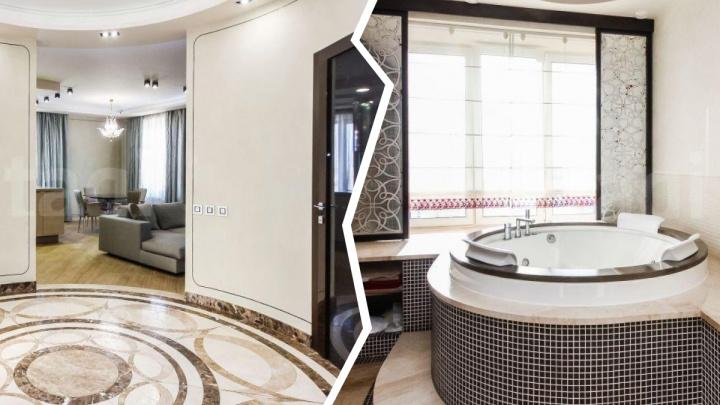 В Тюмени продают квартиру за 30 миллионов рублей с джакузи у окна