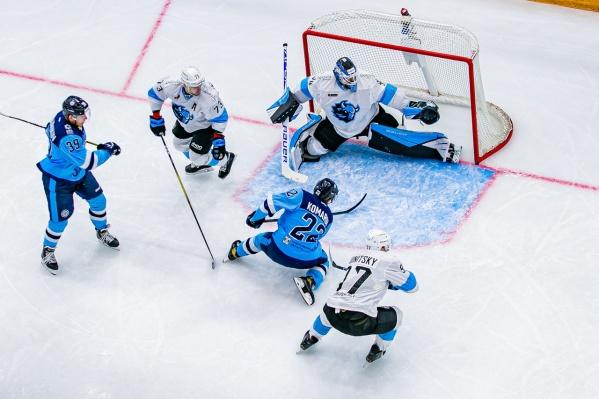 Сибирякам не удалось забросить ни одной шайбы за матч