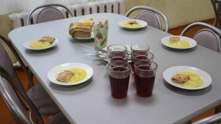 Власти Кургана рассказали, кого из школьников будут кормить бесплатно
