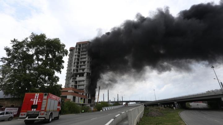 Застройщик оценил ущерб от пожара в высотке, возводимой к саммитам ШОС и БРИКС