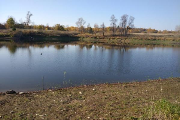 Озеро вернулось в этом году, но вода в нем мутная