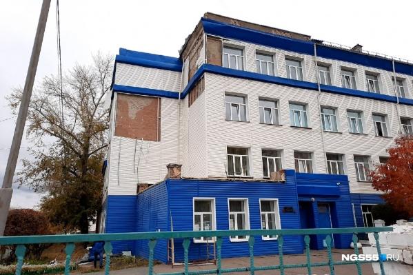 Фасаду и кровле школы требуется ремонт