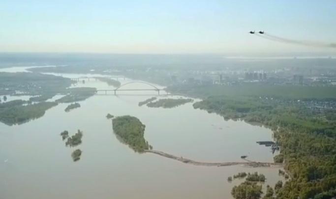 Новосибирца оштрафовали за съемку авиапарада с квадрокоптера на 9 Мая