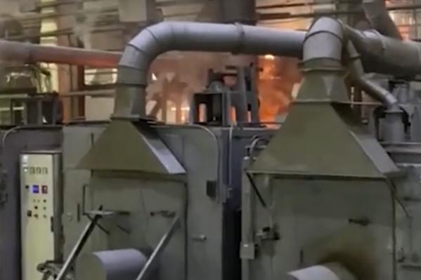 Горел один из цехов завода