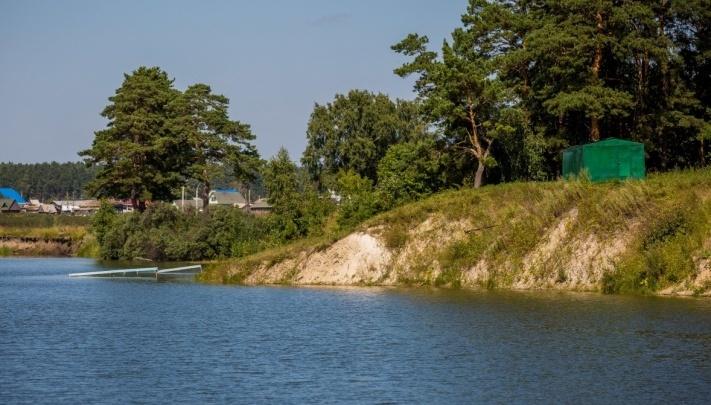 В Новосибирске в котловане утонула женщина