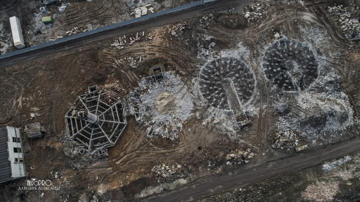 Кончился завод: как разбирают корпуса заброшенного производства в Ярославле