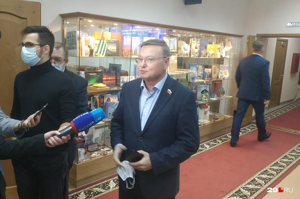 Сергей Малиновский считает, что Сергей Роднев хорош в знании транспортной системы Архангельска, но для города это мало