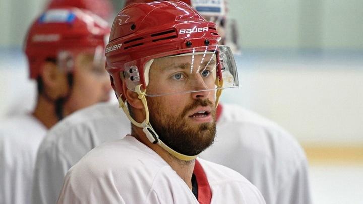 В «Авангард» перешёл мощный силовик — смотрим на его бои в КХЛ