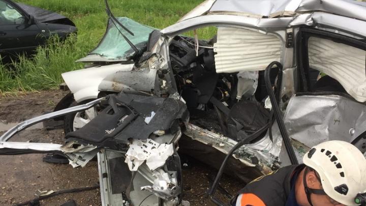 Делали массаж сердца: медики бились за жизнь ярославца, пострадавшего в аварии под Туношной