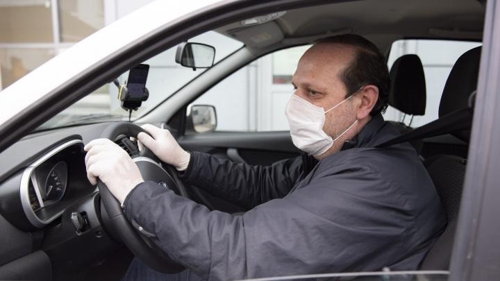 Надо ли надевать маску в своей машине: три актуальных вопроса о масочном режиме в транспорте