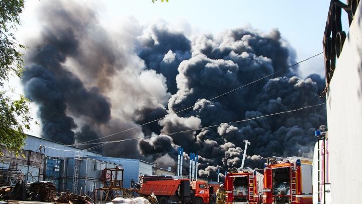 Дым и гарь: показываем эпохальный самарский пожар в 10 фото