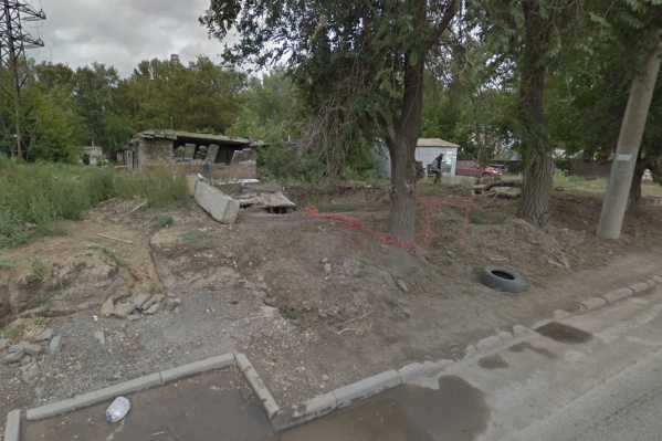 Многие гаражи уже частично разрушены