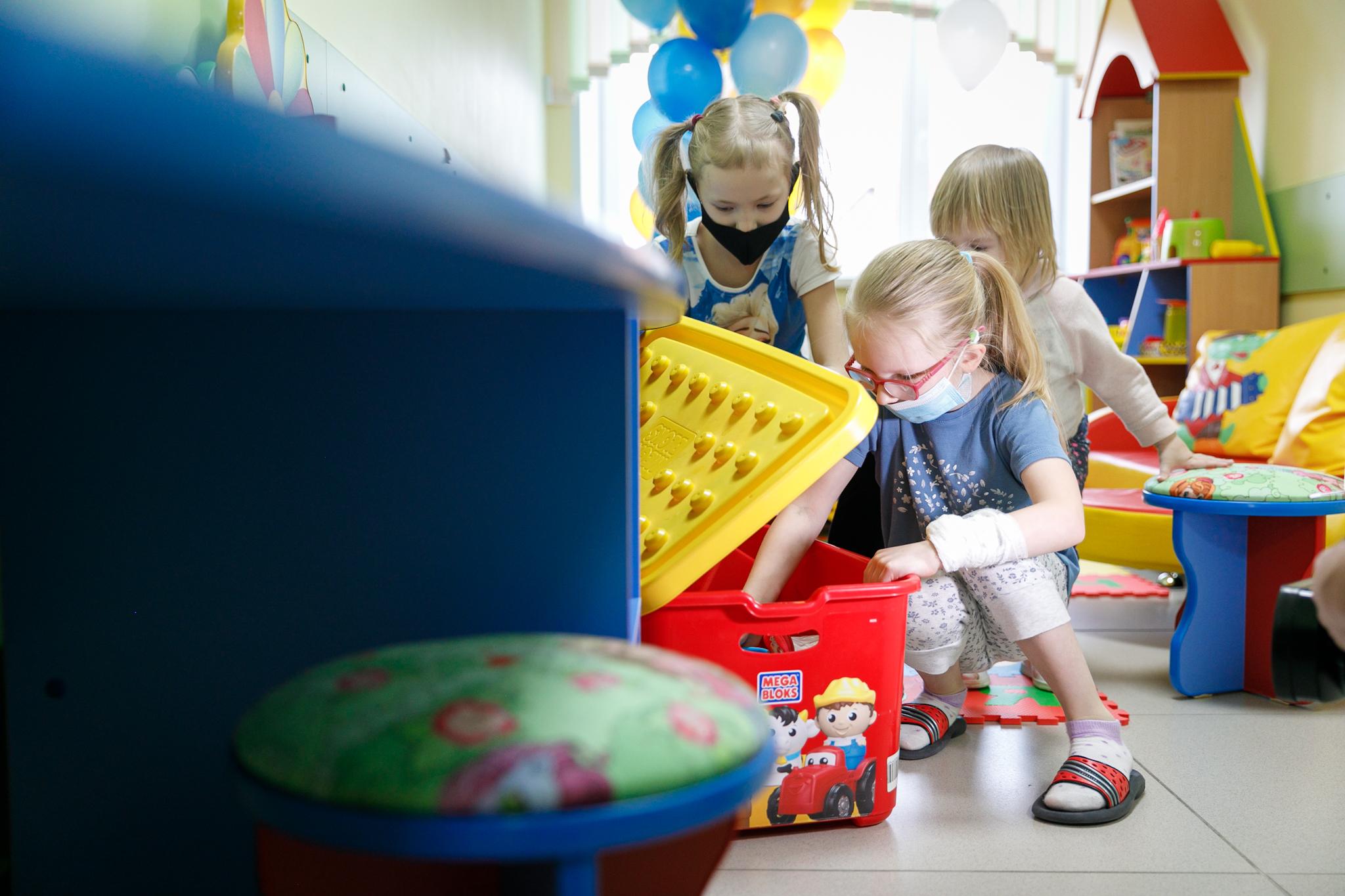 Игрушки помогут детям отвлечься от больничной атмосферы