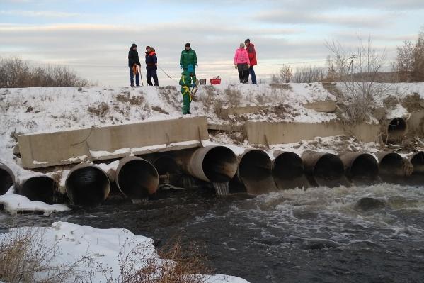 Челябинский металлургический комбинат сбрасывал недостаточно очищенные сточные воды в реку Миасс как минимум с 2016 года