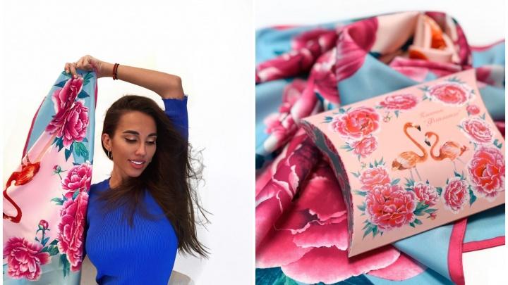 Дизайнер с Урала, чьи платки за тысячи евро покупают звезды, создала новый ради благотворительности