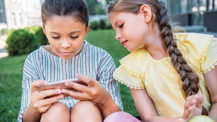Часы с SOS-кнопкой и смартфон Xiaomi: «МегаФон» назвал самые популярные у ярославских школьников гаджеты